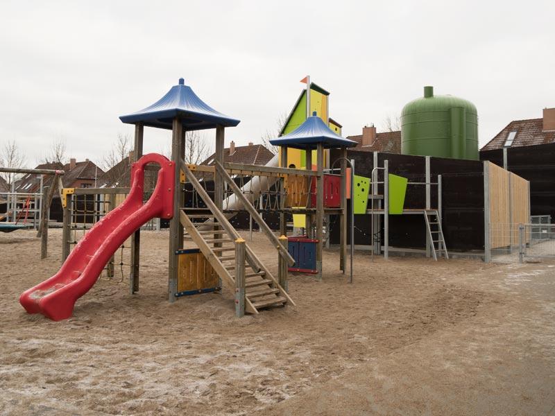 Meykopff Garten-Landschaftbau in Lübeck Spielplatz Schallschutzmauer