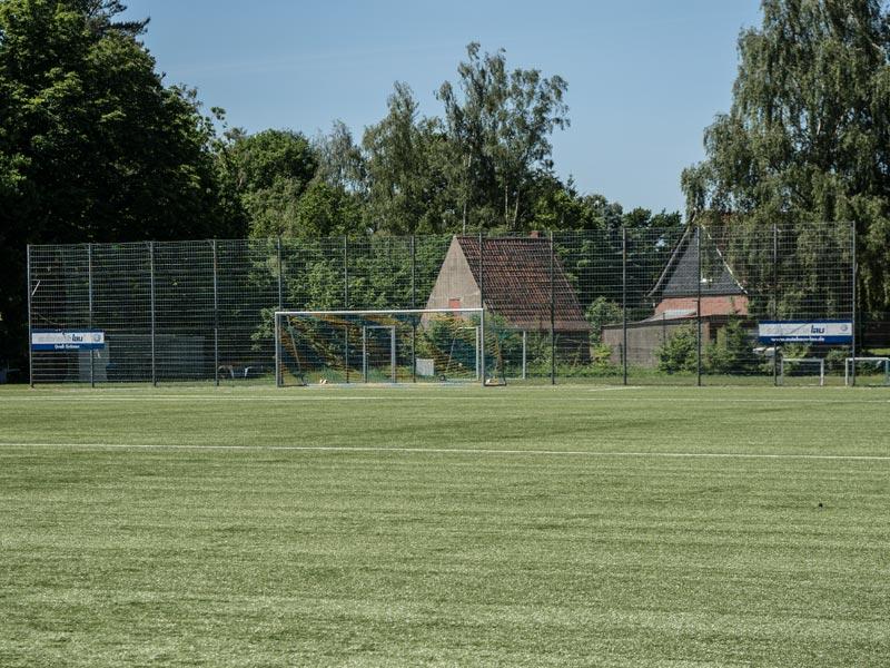Meykopff Garten- und Landschaftsbau Zaunbau Metallzaun Ballfangzaun Sportplatz Groß Grönau