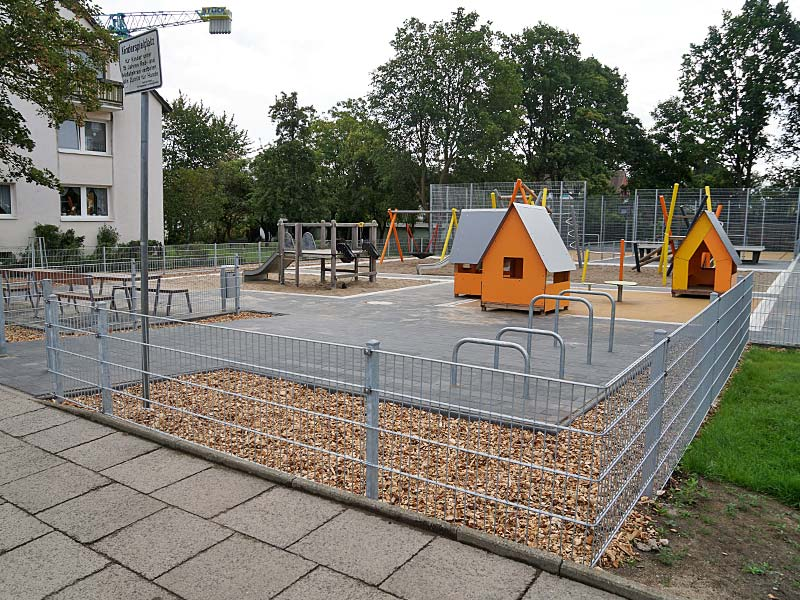 Meykopff GaLaBau Spielplatzbau Schmiedekoppel Spielhaus