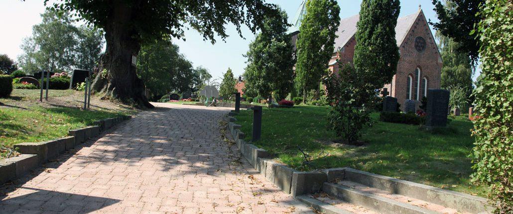 Meykopff GaLaBau Friedhof Krummesse Pflasterarbeiten final