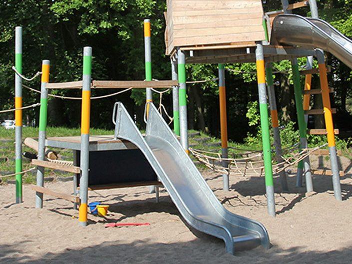 Meykopff Garten- und Landschaftsbau Lübeck Spielplatz Warnowweg Rutsche