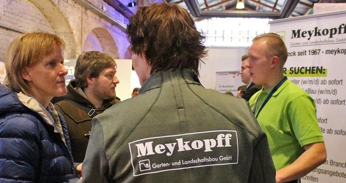 Bewerbergespräch am Meykopff-Stand auf der Jobmesse Lübeck