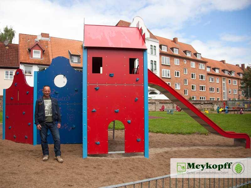 Spielplatz an der Mauer