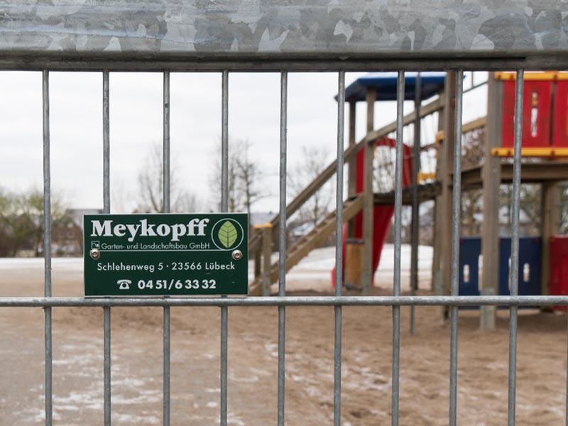 Meykopff Garten-Landschaftbau in Lübeck professioneller Metallzaun Zaunbau