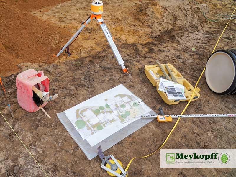 Meykopff Galabau Regenwassernutzung Rigolenersickerung Plan und Werkzeug