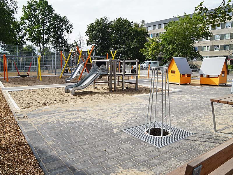 Meykopff GaLaBau Spielplatzbau Schmiedekoppel Rutsche Kletterturm