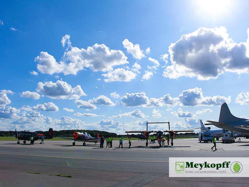 Meykopff GalaBau - Flugzeug Präsentation