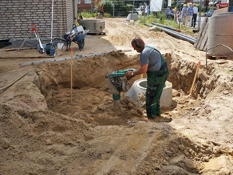Meykopff GaLaBau Luebeck Luisenstrasse Pflasterarbeiten Regenwasserschacht