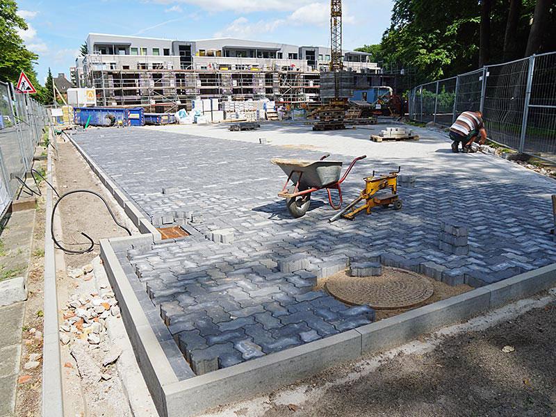 Meykopff GaLaBau Luebeck Pflasterarbeiten Parkplatz Luisenstrasse