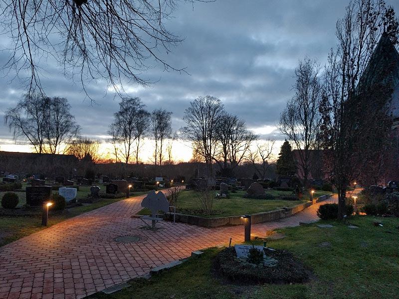 Meykopff GaLaBau Lübeck Pflasterarbeiten Friedhof Krummesse