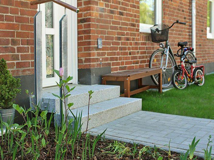 Meykopff Garten- und Landschaftsbau Lübeck Hauseingang Kaninchenbergweg