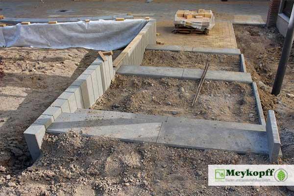Neubau einer Treppe auf dem Schulhof