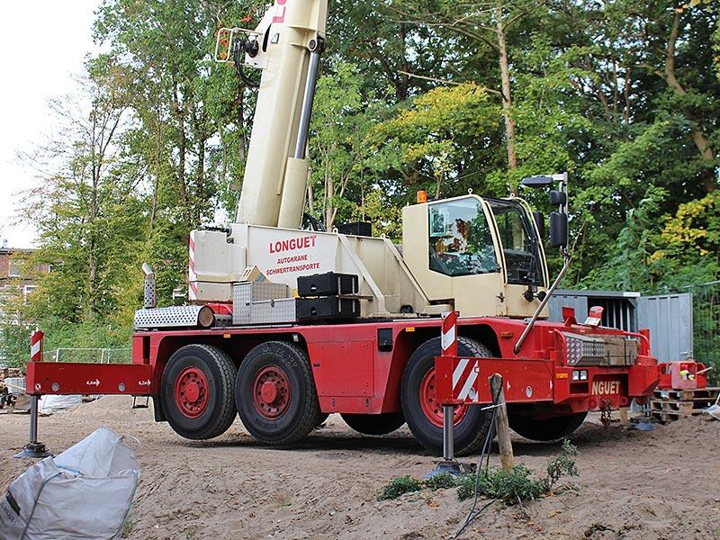 Meykopff GaLaBau, Lübeck - Schwerlastkran am UKSH