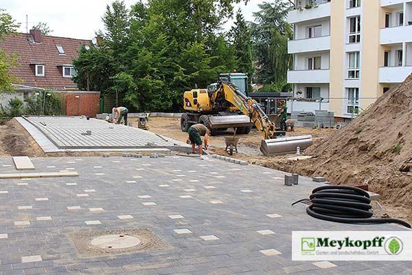 Meykopff GalaBau Luebeck Hertzweg Pflasterarbeiten Parkplätze