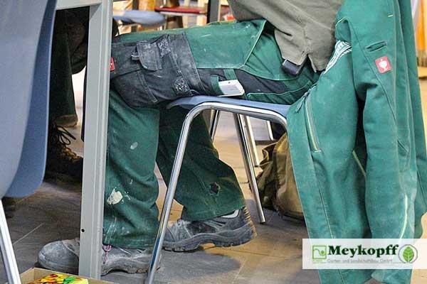 Meykopff GaLaBau: Arbeitskleidung bei der Azubi-Nachhilfe