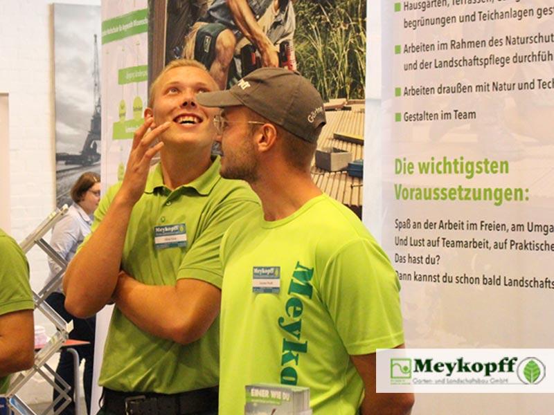 Meykopff GaLaBau Lübeck - Heitere Stimmung am Messestand