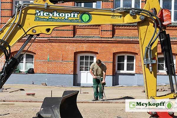 Meykopff GaLaBau Lübeck - Pflasterstein-Detailarbeiten