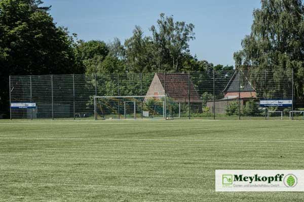Meykopff Garten- und Landschaftsbau Zaunbau Metallzaun Ballfangzaun